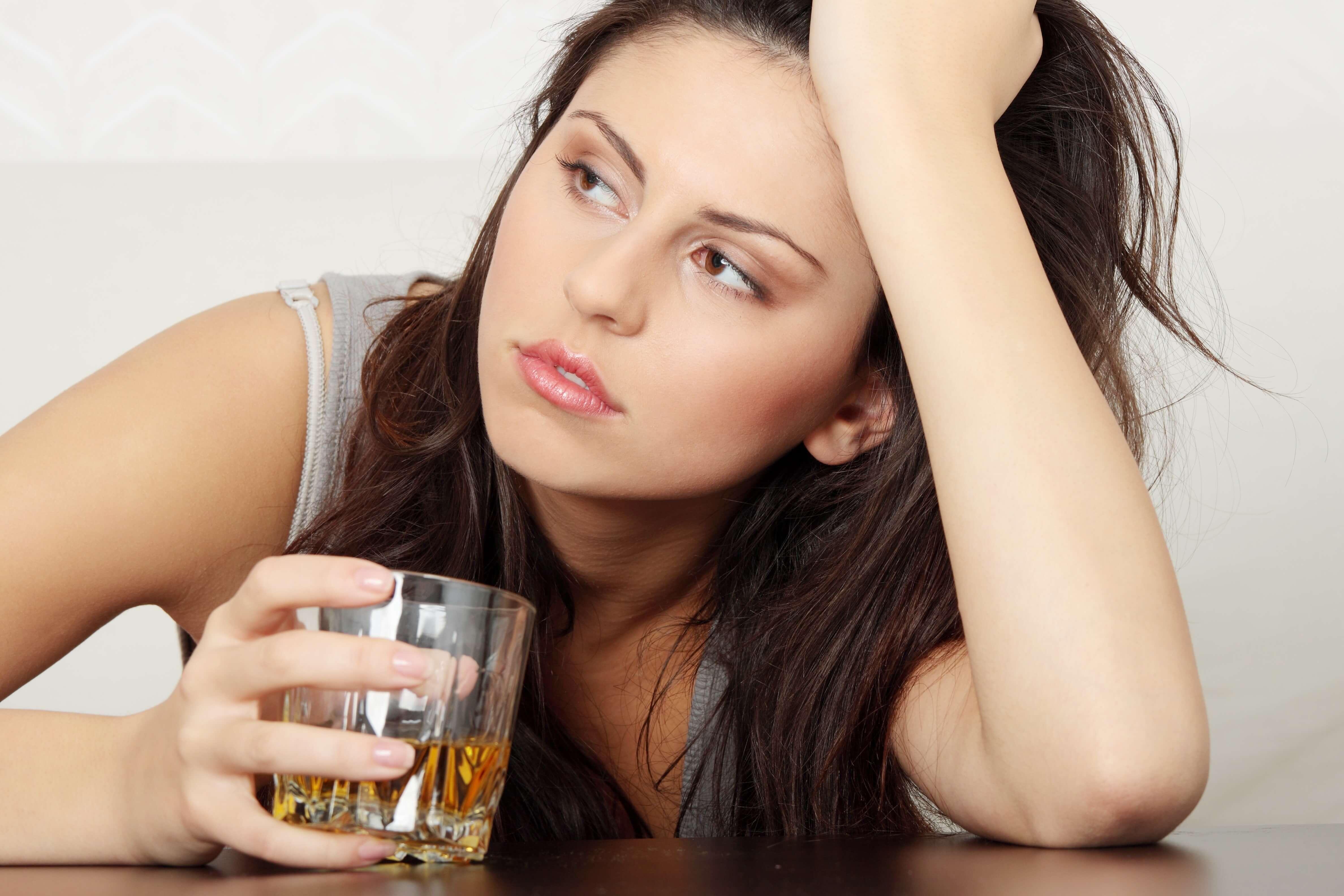 Лечение женского алкоголизма Москвее как помочь избавится от алкоголизма